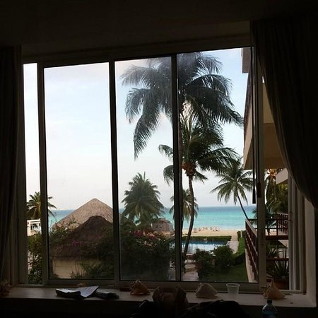 Ixchel Beach Hotel : view from room in building 1