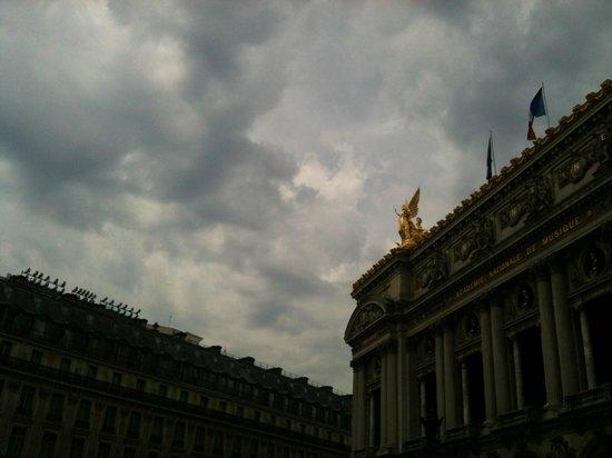 Hotel Gramont Opera Paris : l'Opéra à la nuit tombée