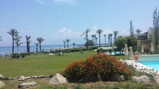 Grecotel Kos Imperial Hotel: Part of the grounds