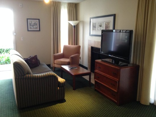 Residence Inn Long Beach : Living Room Area