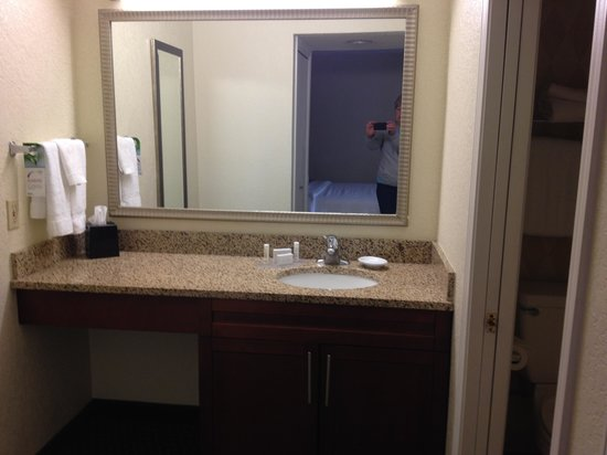 Residence Inn Long Beach: Vanity
