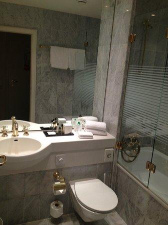 Hotel Halm Konstanz: Ванная комната