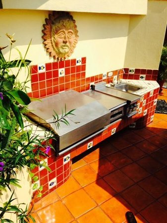 Casa Isabel: One of the 2 grills