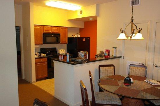 Lake Buena Vista Resort Village & Spa: Kitchen
