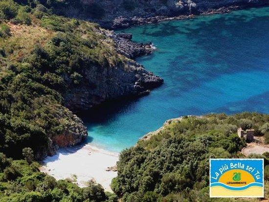 Policastro Bussentino, Italy: la spiaggia più bella d'Italia 2013 - nelle immediate vicinanze dell'hotel