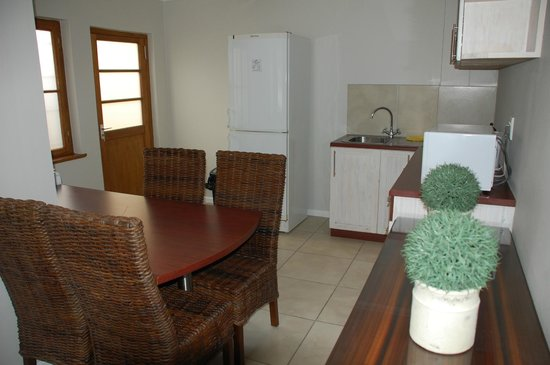 Cornerstone Guesthouse: Kitchen area