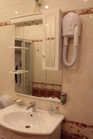 Hotel Ostankino: Ванная комната