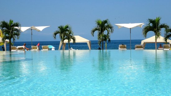 Hilton Puerto Vallarta Resort : Pool view