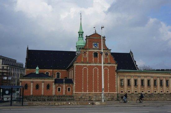 Holmens Kirke : The church.
