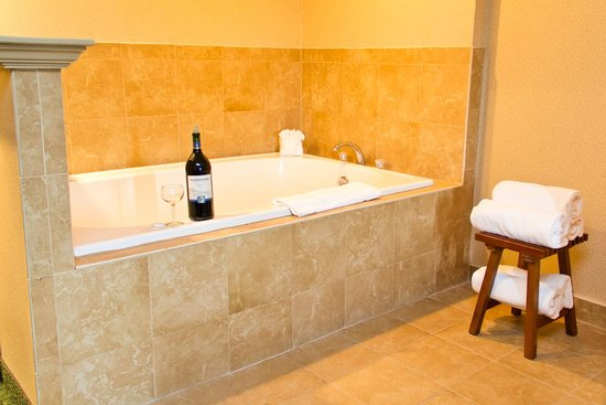 Quality Inn - East Stroudsburg POCONOS: Life of Luxury