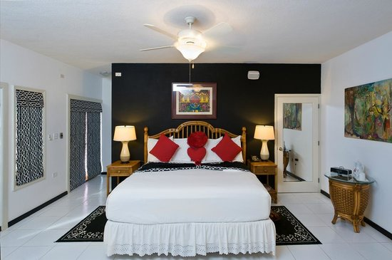 The Villas at Sunset Lane: Premium Suite 1 (Honeymoon Suite)