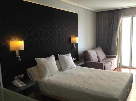 Regente Aragon : room
