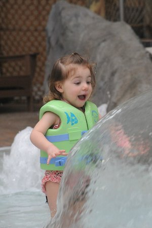 Six Flags Great Escape Lodge & Indoor Waterpark : Tip-a-Kanu