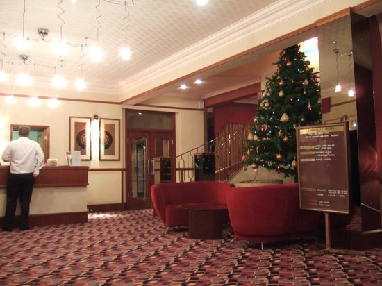 Cairndale Hotel & Leisure Club: Hotel reception