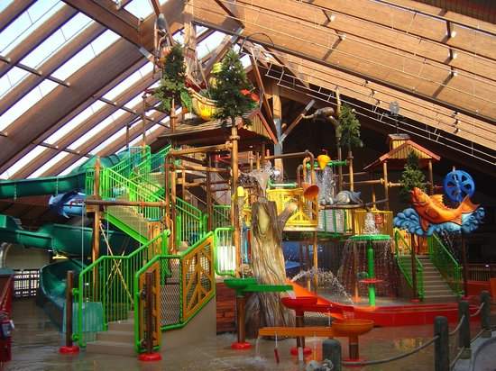 SIX FLAGS GREAT ESCAPE LODGE & INDOOR WATERPARK $190