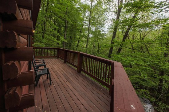 Chalets in Hocking Hills: Slopeside View