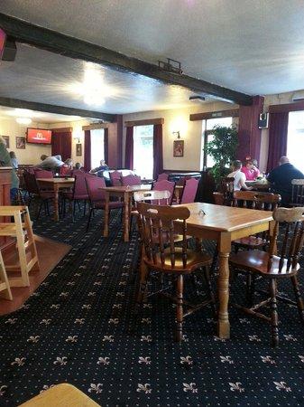 Tyddyn Llwyn: The back room / family dining room