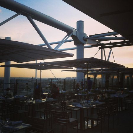 Le Georges : Rooftop patio