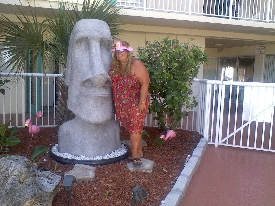Magnuson Hotel Clearwater Beach : Betsy And Cheryl Having Fun By The Pool :)