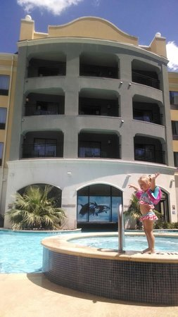 Courtyard San Antonio SeaWorldR/Westover Hills: 3 yr old loved the pool!