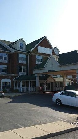 Americas Best Value Inn and Suites Marion: Outside view, front of hotal