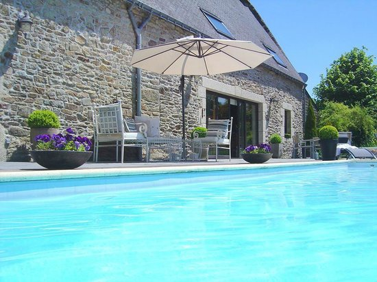 La Longere, Luxury b&b : Poolside