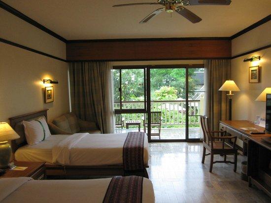 Thara Patong Beach Resort & Spa: Premier room