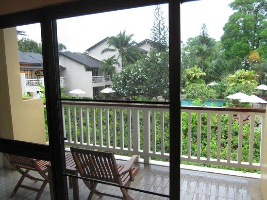 Thara Patong Beach Resort & Spa: Balcony (Premier room)