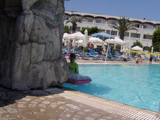 Sun Palace Hotel: main pool