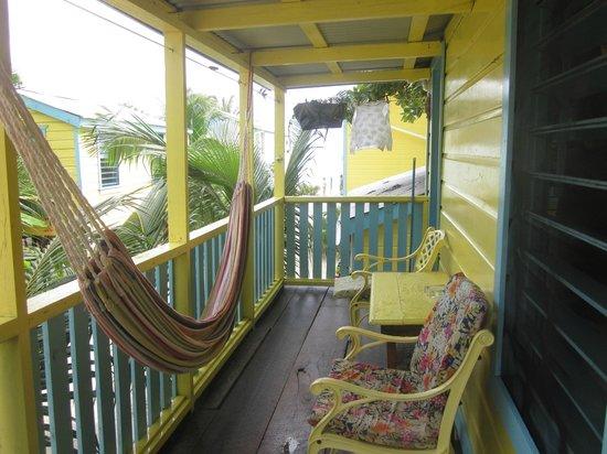 Colinda Cabanas: Balcony & Hammock of Cabana 5