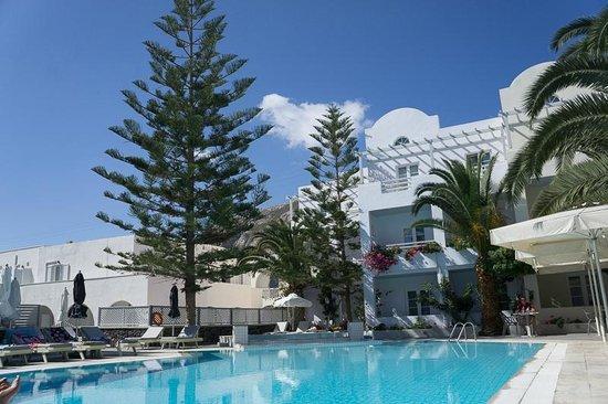 Afroditi Venus Beach Hotel & Spa: территория небольшая