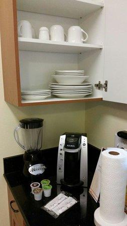 The Point Hotel & Suites: Cozinha equipada.