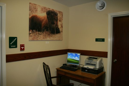 Yellowstone Lodge: Business Center