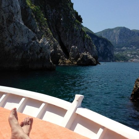 Gianni's Boat : Relaxing in the sun