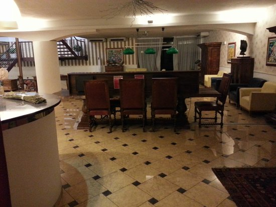 Antares Hotel: hall