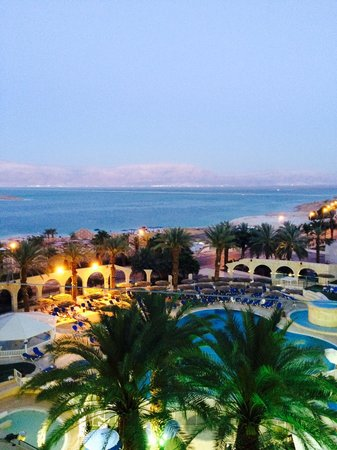 Daniel Dead Sea Hotel: All'imbrunire