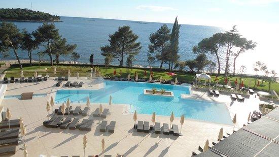 Hotel Laguna Parentium: вид с балкона(из окна)
