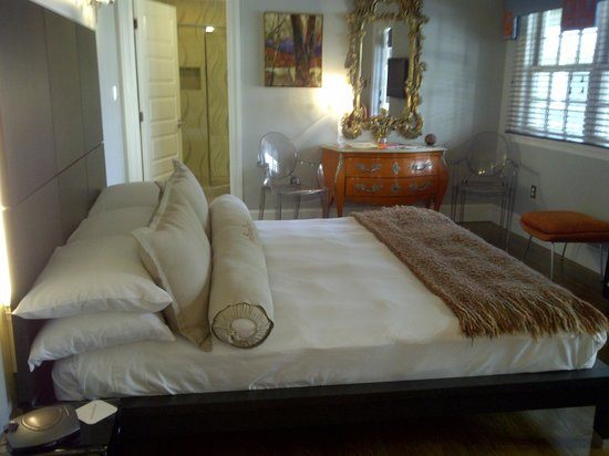Inn BoonsBoro: Eve & Roarke room