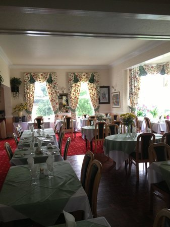 Elmington Hotel: The dining room pic1