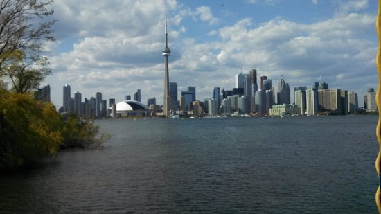 Toronto Harbour Cruises: Toronto's Skyline from the Harbor Tour