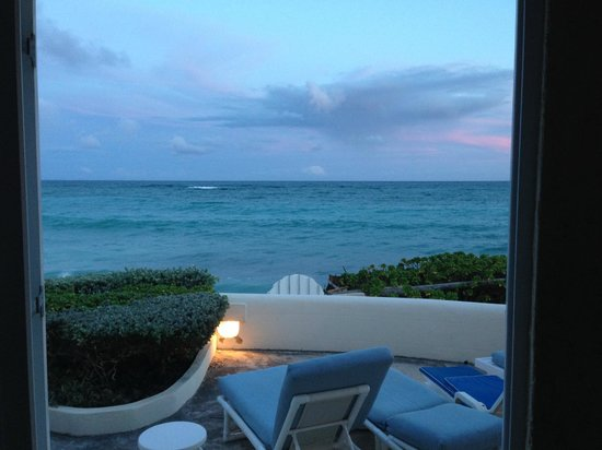 Inchcape Seaside Villas: Sunset from the living room
