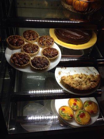 Blue Waters Bar and Restaurant : Torte fatte in casa... Slurp!!!