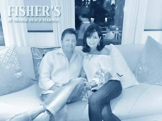 Fisher's at Orange Beach Marina: one of the cozy couches at Fisher's