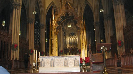 St. Patrick's Cathedral: altar