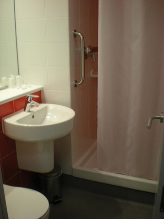 Travelodge Barcelona Poblenou: toilette
