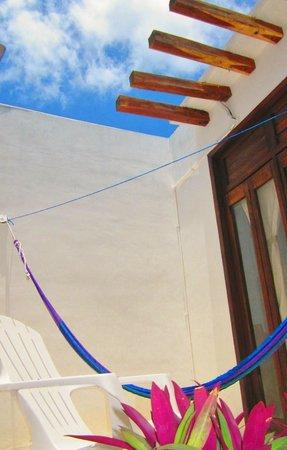 Hotel Latino : deluxe room balcony and hammock
