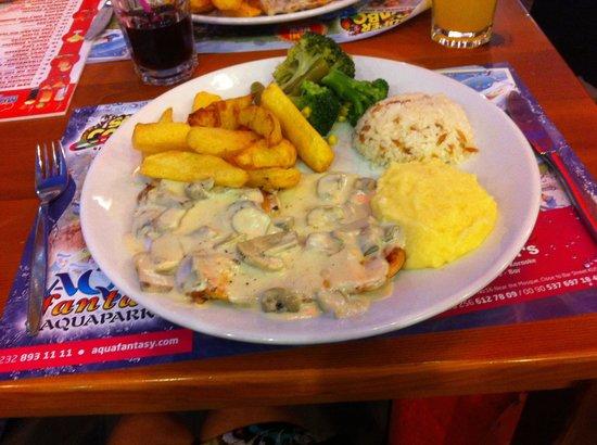 Murphy's Restaurant & Bar: Chicken in mushroom sauce