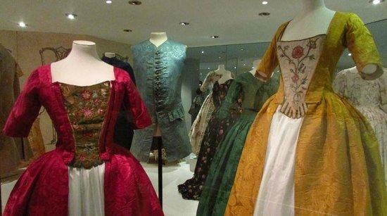 Fashion Museum Bath: Georgian dresses.