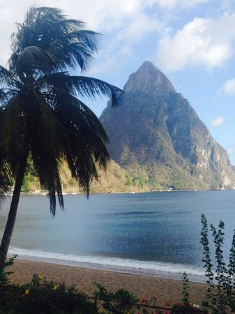 Hummingbird Beach Resort: View of the Pitons from Hummingbird resort, room 3