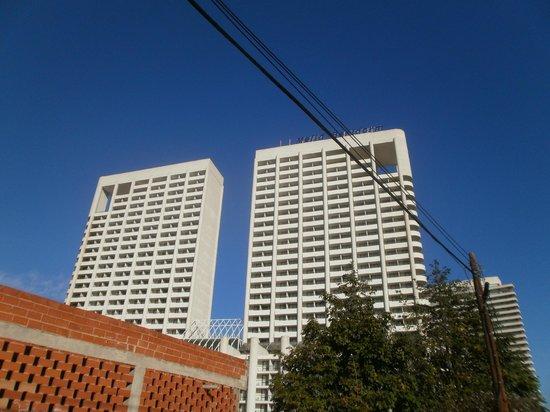 Melia Benidorm: Hotellet från gatan